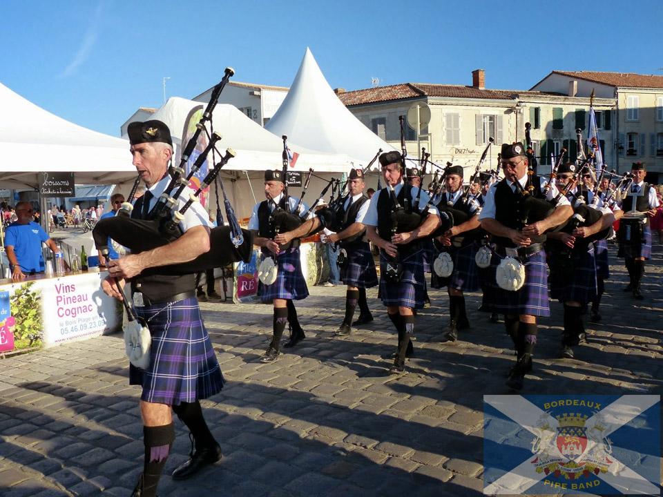 Bordeaux Pipe Band déambulation île de ré 2014