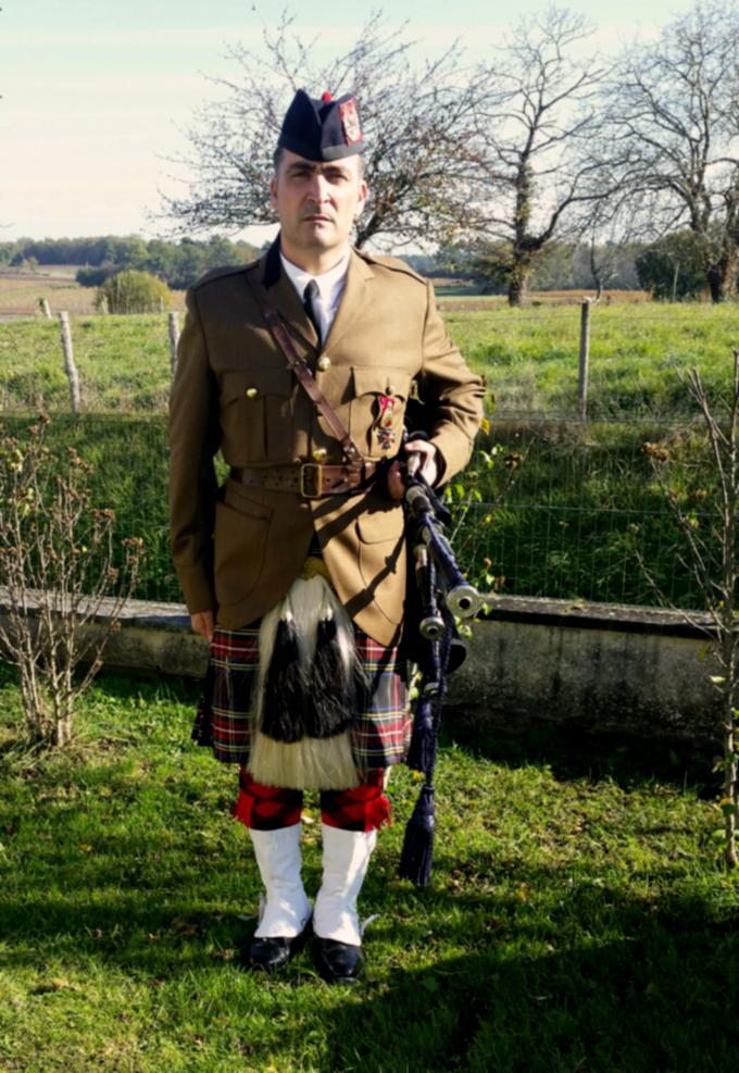 Piper en tenue Militaire